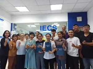 Tổ Chức Tư Vấn Giáo Dục Quốc Tế IECS